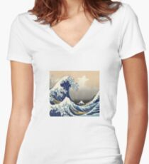 The Great Wave off Kanagawa Women's Fitted V-Neck T-Shirt
