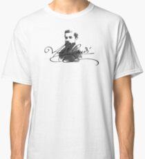 ANTONIO GAUDI ARCHITECTURE Classic T-Shirt