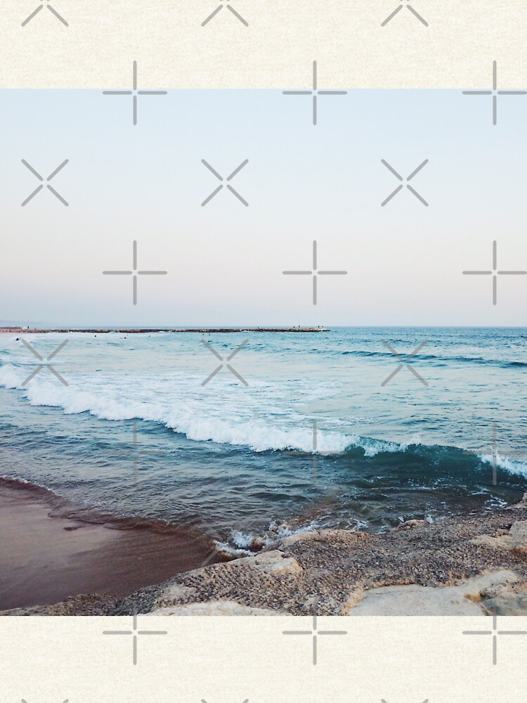 Calm ocean waves by AlexandraStr