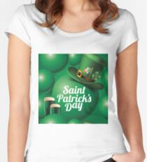 Saint Patrick's Day seamless green balloon, leprechaun hat and green beer pattern Women's Fitted Scoop T-Shirt