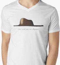 Le petit chapeau Men's V-Neck T-Shirt