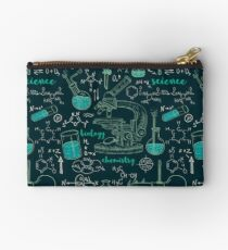 Vintage seamless pattern old chemistry laboratory with microscope, tubes and formulas. Studio Pouch