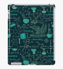 Vintage seamless pattern old chemistry laboratory with microscope, tubes and formulas. iPad Case/Skin