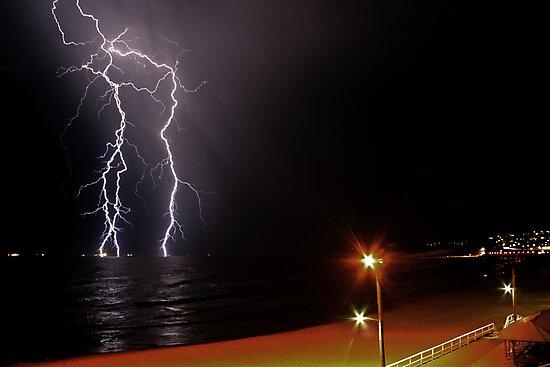 Bar Beach Lightning by Mark Snelson