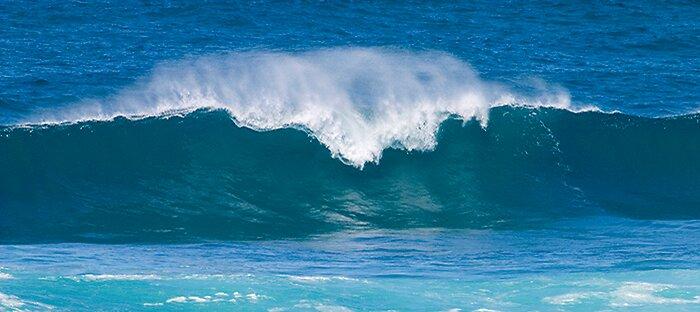 Wave by Thomas Kress