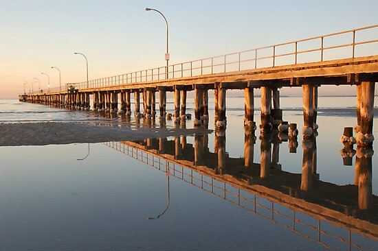Altona Pier in the morning by Chris Moysey