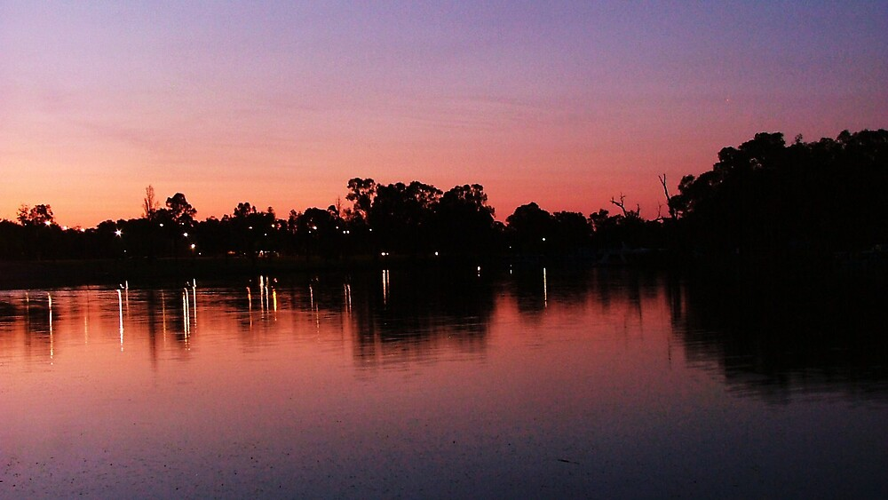 Sun Set in Mildura. by Olie Tugwell