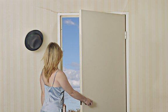 door scene by lucia