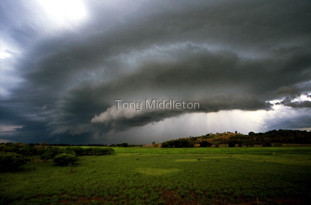 Top-end thunderstorm by Tony Middleton