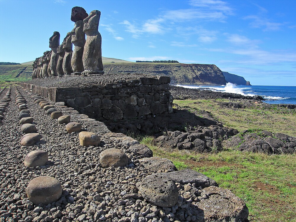 Rapa Nui 2 by Richard Morton