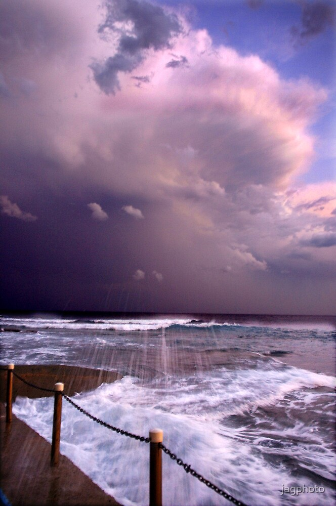 Clouds over Narrabeen pool by jagphoto