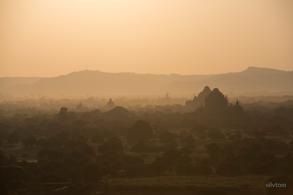 Sunset Bagan by Silvia Tomarchio