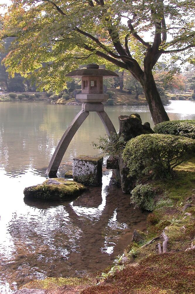Japanese lantern by rodneyaf