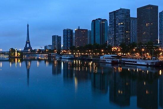 Sunrise on Paris by Julien Tordjman