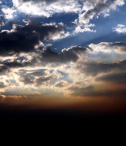 Glowing Horizon by Bryant Evans