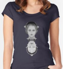 Metropolis Women's Fitted Scoop T-Shirt