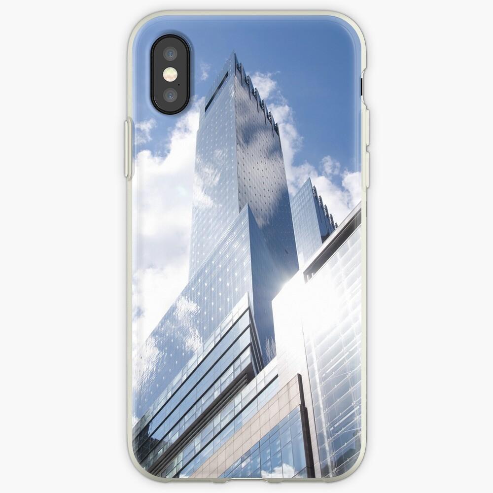 Himmelreflexion auf Wolkenkratzer in New York iPhone-Hülle & Cover