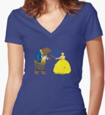 Brienne and the Bear Women's Fitted V-Neck T-Shirt