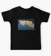 Distortion - Fascinating Shapes and Patterns in Reflected Facades Kids Tee