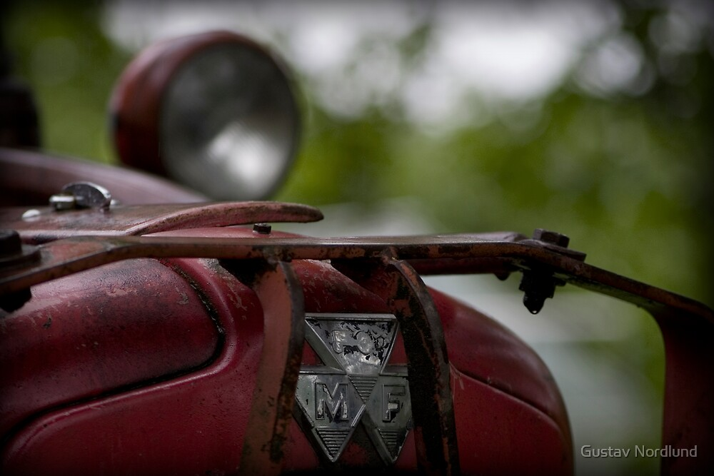 Old Red Tractor by Gustav Nordlund