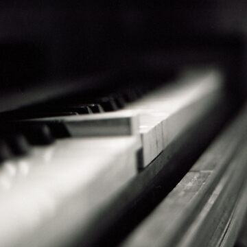 Piano by dcoa