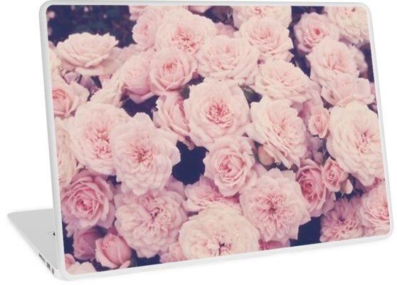 rosa tumblr rosen laptop skins von ellelouise101 redbubble. Black Bedroom Furniture Sets. Home Design Ideas