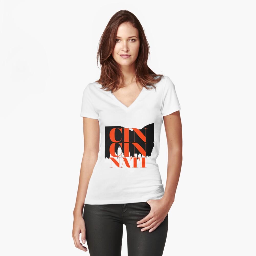 Cincinnati Tailliertes T-Shirt mit V-Ausschnitt