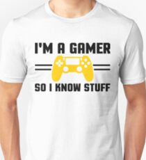 Gamers know stuff Unisex T-Shirt