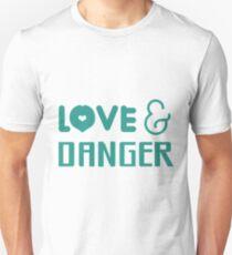 "Larry Stylinson ""Love & Danger"" design. T-Shirt"