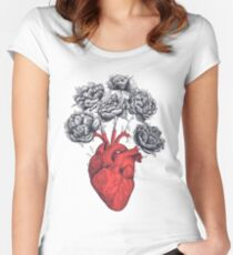 Heart with peonies T-shirt échancré