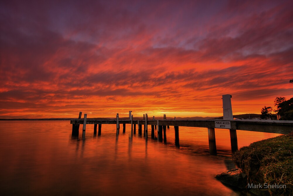 Squid's Ink Jetty 1 by Mark Snelson