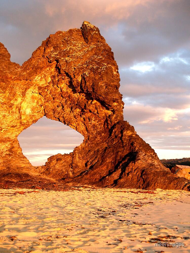 Aussie Rock by meerimages