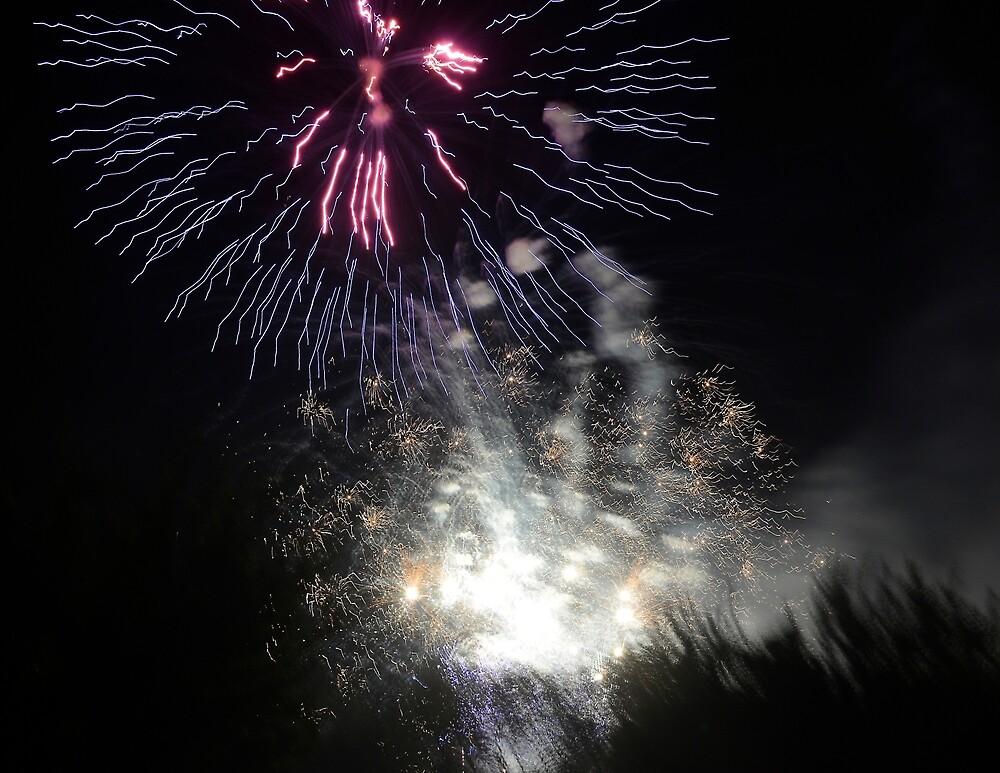 Fireworks - Raining Light by Klaus Bohn