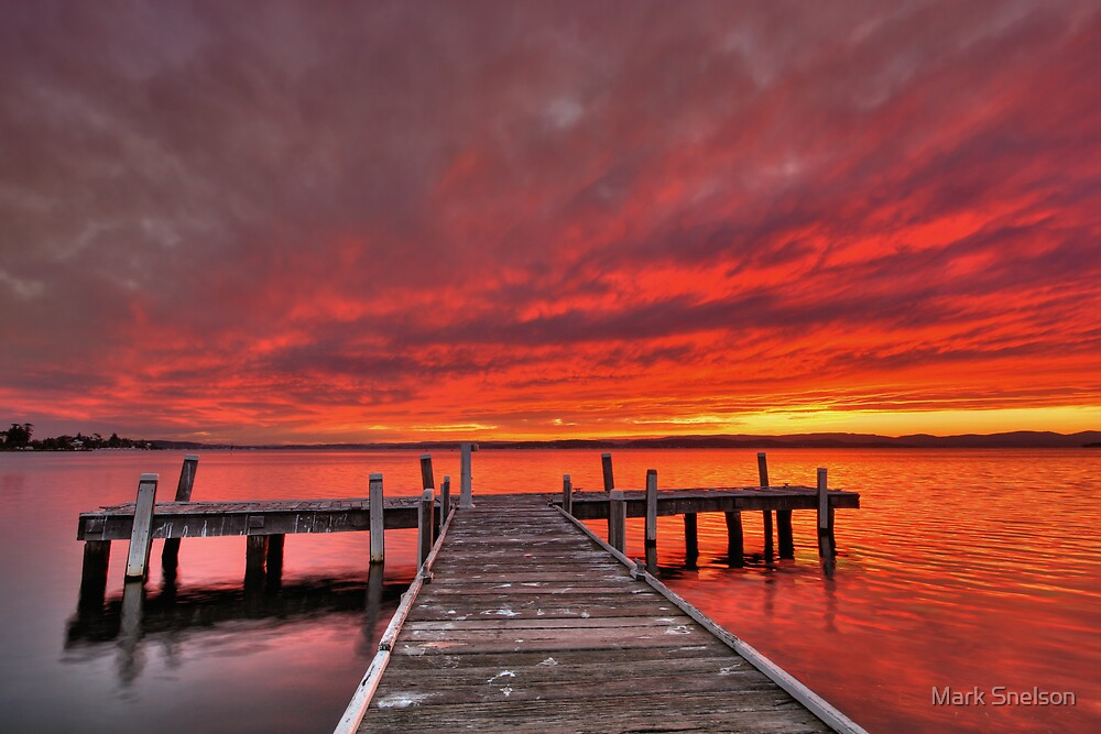 Squids Ink Jetty 3 by Mark Snelson