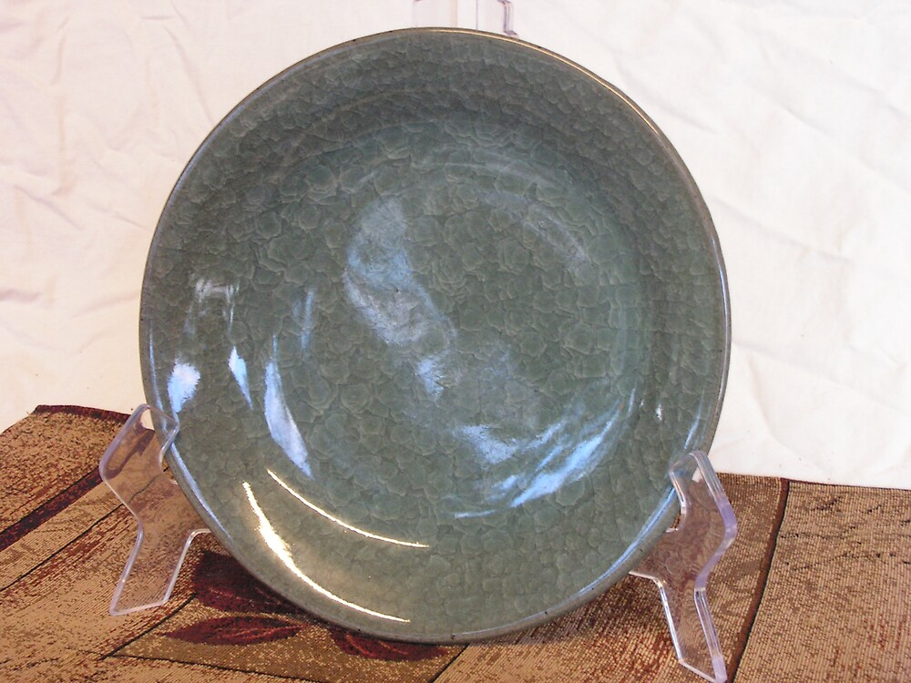 stoneware plate with crackle glaze by fatman