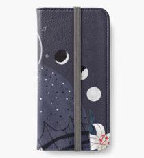 Familiar - Sooty Owl iPhone Wallet