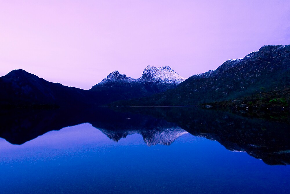 Dawn @ Dove Lake by Terence Chan