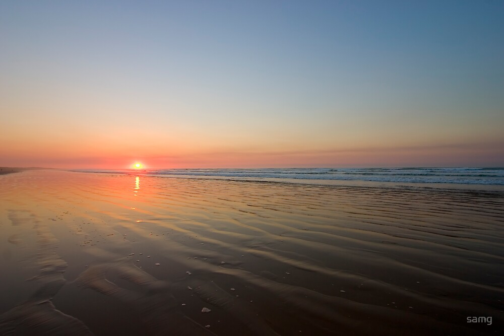 Sunrise over Middleton Beach I by samg