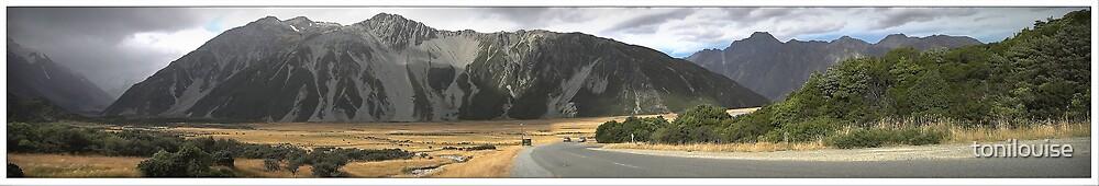 The Road to Aoraki by tonilouise