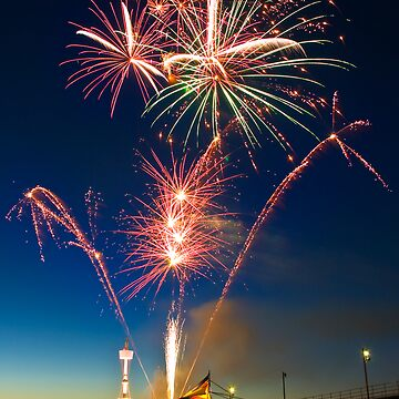 Fireworks at Brighton by AndreGascoigne