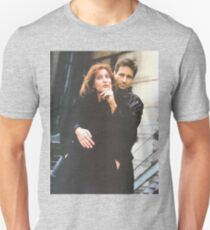Scully and Mulder / X-Files Unisex T-Shirt