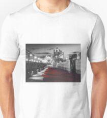 Tower Bridge and the Ceramic Poppies BW Unisex T-Shirt