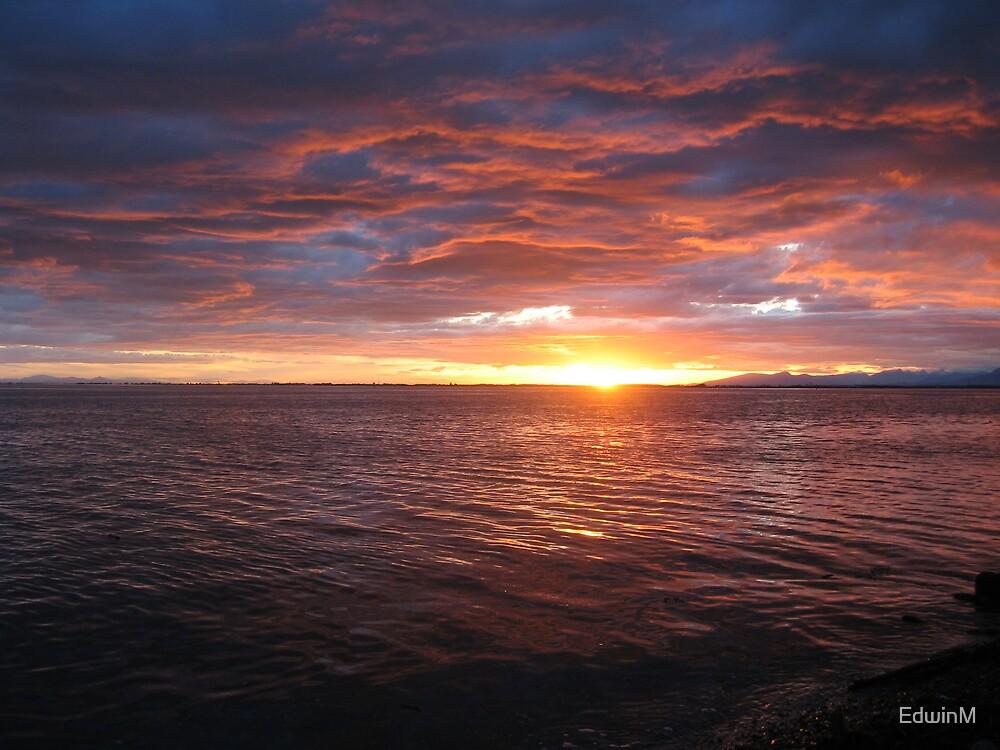 Sunset at Cresent Beach by EdwinM