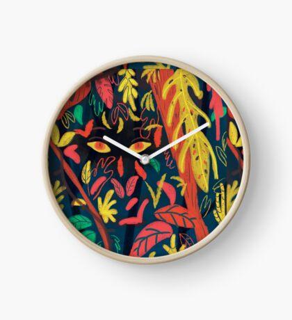 Entre la naturaleza Clock