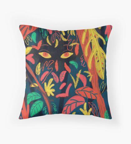 Entre la naturaleza Throw Pillow