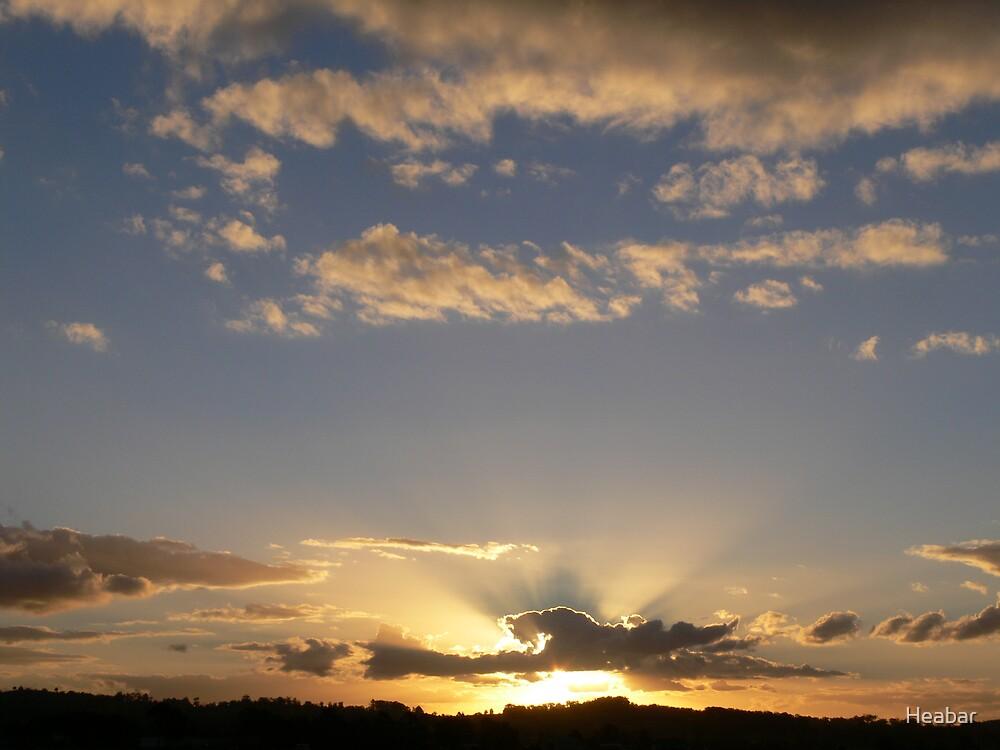 Golden Rays begining to show!! by Heabar