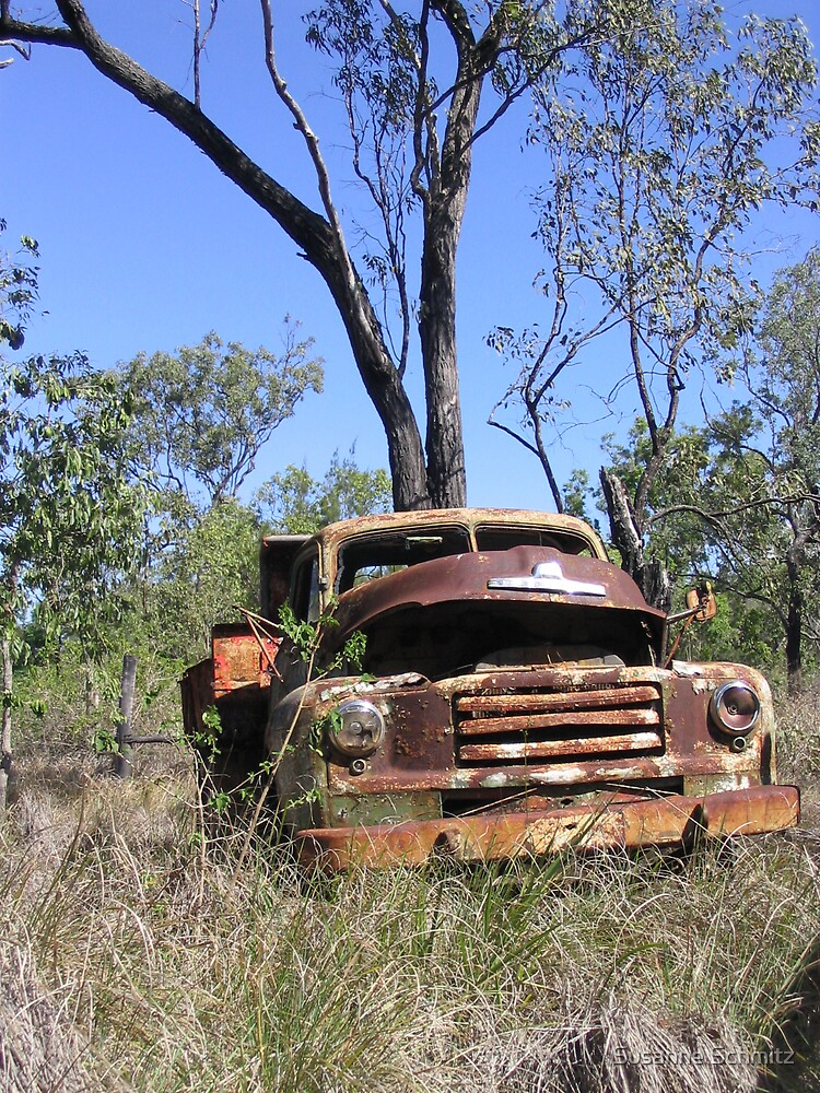 old car in the outback by Susanne Schmitz