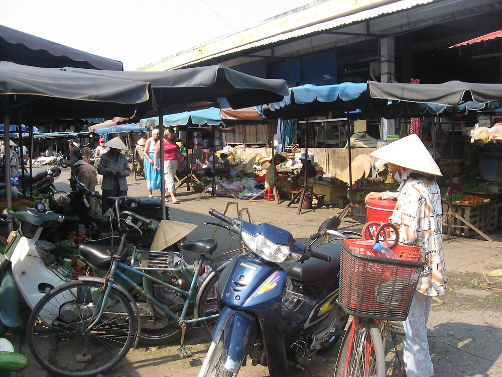 streets of Hoi An by jcruiz124