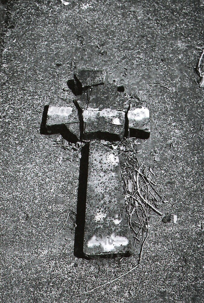 Broken Cross by BRavelich