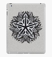Vinilo o funda para iPad Rochester Mandala (tonos grises)